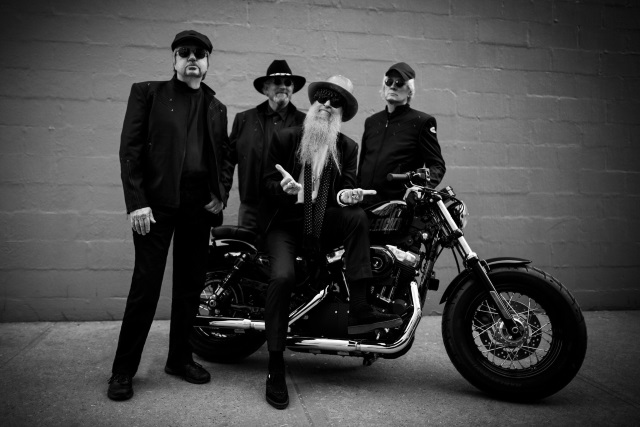ZZ Top with John Fogerty play Creedence best Hits!